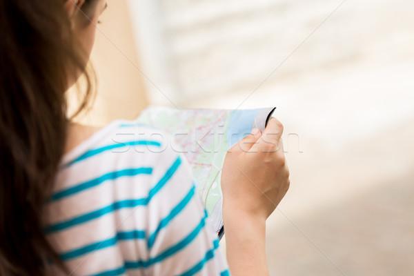 ストックフォト: 女性 · 読む · 地図 · 観光 · 旅行