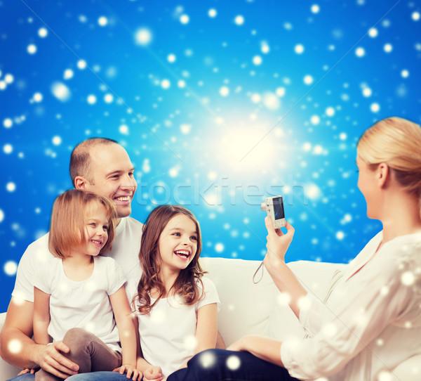 Stok fotoğraf: Mutlu · aile · kamera · ev · aile · tatil · Noel