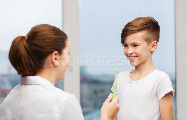 Medico spazzolino clinica medicina Foto d'archivio © dolgachov