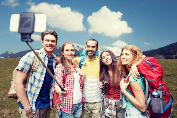Сток-фото: друзей · рюкзак · смартфон · технологий · путешествия