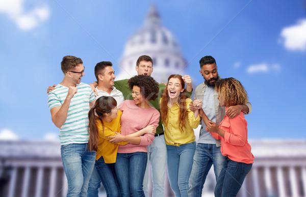 Międzynarodowych grupy szczęśliwy uśmiechnięty ludzi różnorodności Zdjęcia stock © dolgachov