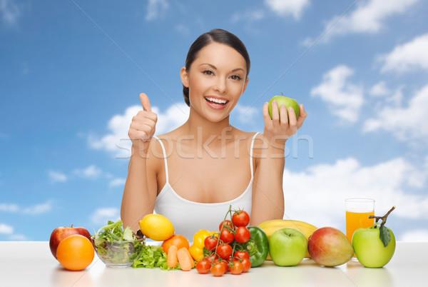 Mulher frutas legumes dieta Foto stock © dolgachov