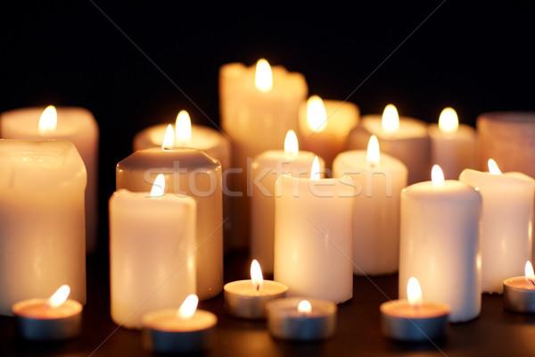 Gyertyák égő sötétség fekete gyász láng Stock fotó © dolgachov
