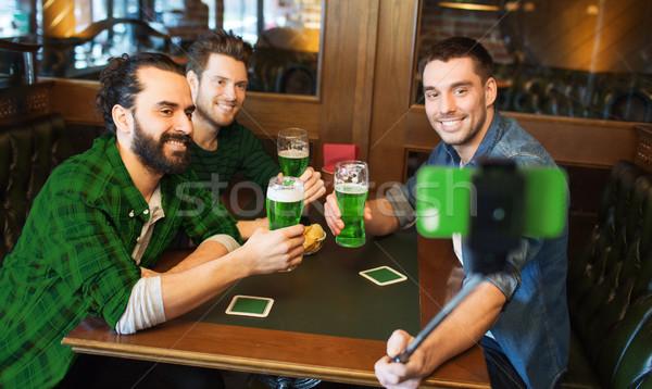 友達 緑 ビール パブ 聖パトリックの日 ストックフォト © dolgachov