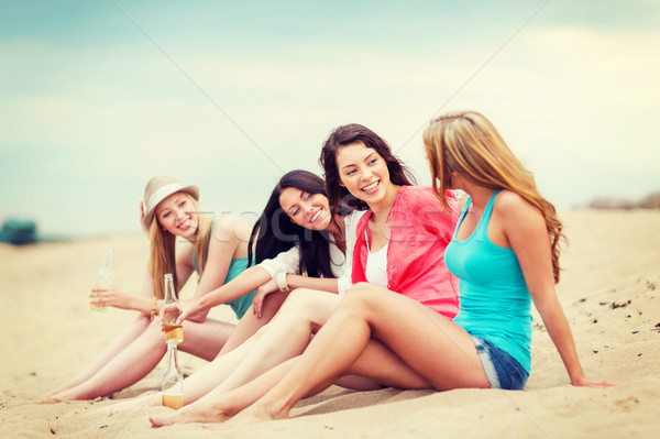 photo of girls on the beach № 18685