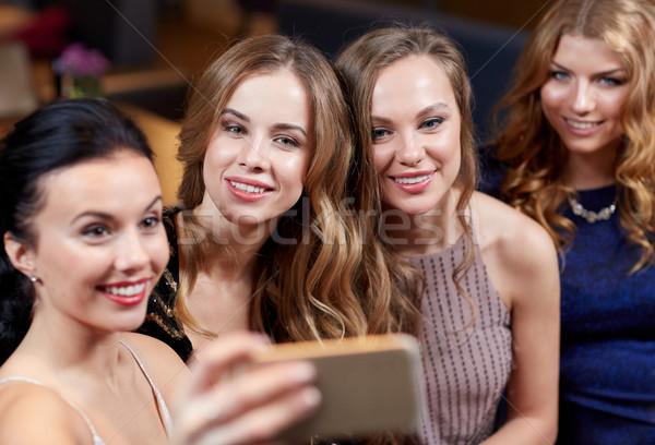 Mulheres boate celebração amigos Foto stock © dolgachov