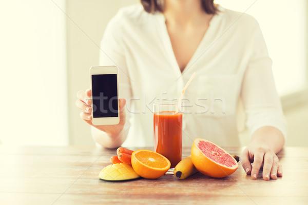 Stockfoto: Vrouw · handen · smartphone · vruchten · gezond · eten