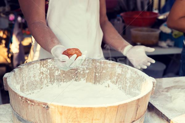 Cocinar manos harina cocina Asia Foto stock © dolgachov
