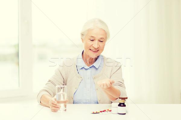 Сток-фото: счастливым · старший · женщину · воды · медицина · домой
