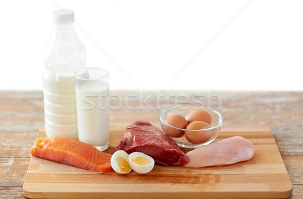 Natuurlijke eiwit voedsel houten tafel gezond eten dieet Stockfoto © dolgachov