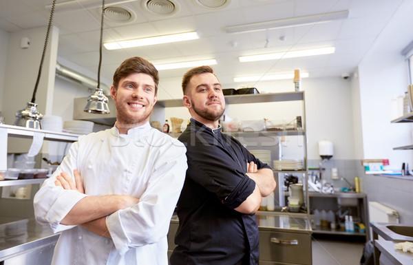 Gelukkig glimlachend chef kok restaurant keuken Stockfoto © dolgachov