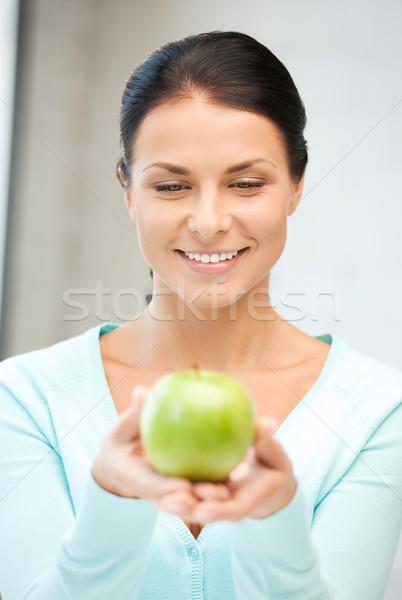 Háziasszony zöld alma fényes kép nő Stock fotó © dolgachov