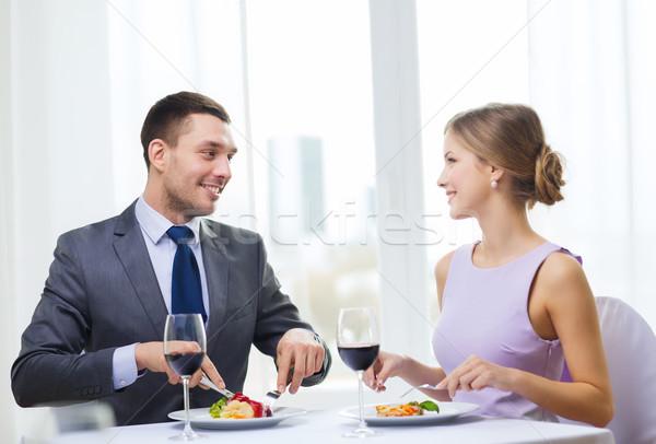Foto stock: Sonriendo · Pareja · comer · restaurante · vacaciones