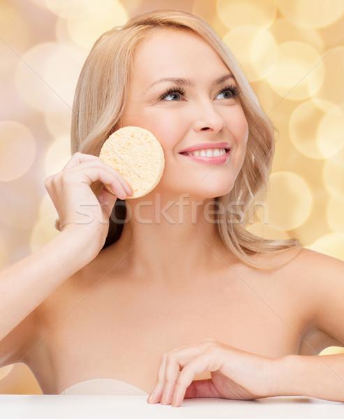 Belle femme éponge santé salon de beauté fille heureux Photo stock © dolgachov