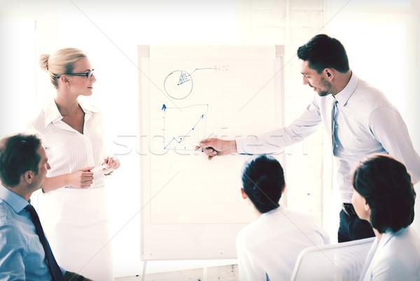 бизнеса семинара молодые бизнесмен указывая графа Сток-фото © dolgachov