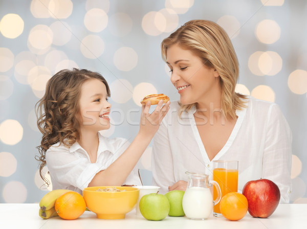 Foto stock: Feliz · madre · hija · comer · desayuno · personas