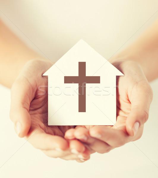 Kezek tart papír ház kereszt szimbólum Stock fotó © dolgachov