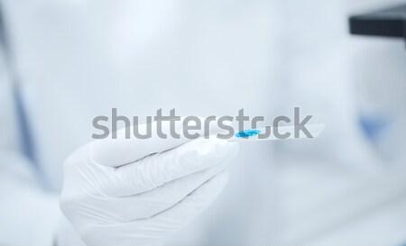 Stock fotó: Közelkép · tudós · kéz · teszt · minta · labor