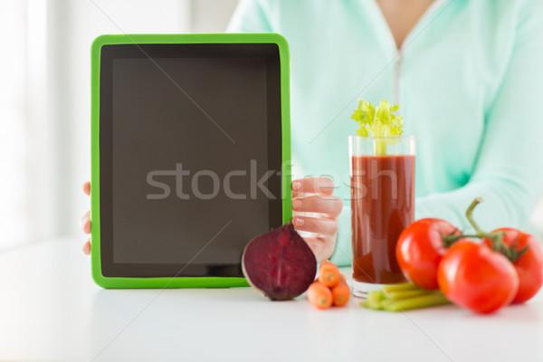 Kadın sebze sağlıklı beslenme teknoloji Stok fotoğraf © dolgachov