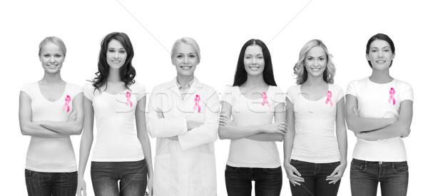 Sorridere donne rosa cancro consapevolezza nastri Foto d'archivio © dolgachov