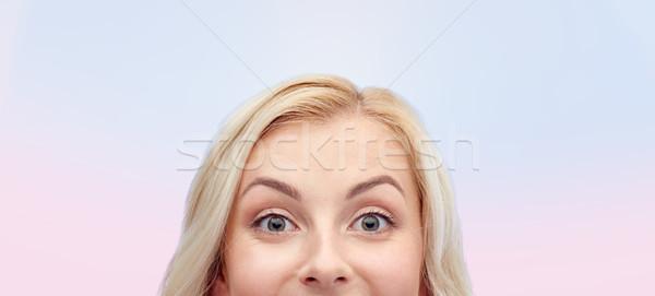 Feliz cara curiosidad anuncio Foto stock © dolgachov