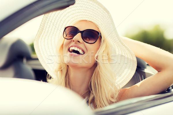 Feliz mujer conducción cabriolé coche transporte Foto stock © dolgachov