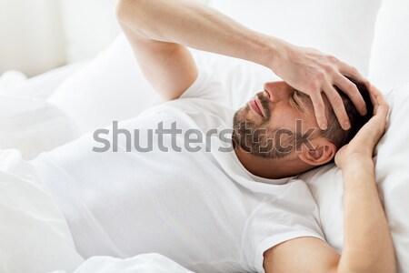 Zdjęcia stock: Człowiek · bed · domu · cierpienie · głowy · ludzi