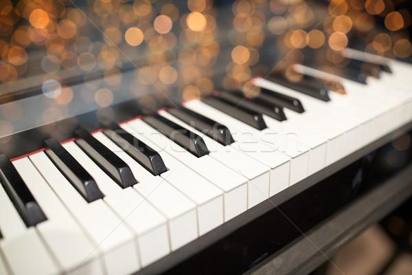 Flügel Tastatur Musik Kunst Musikinstrumente Stock foto © dolgachov
