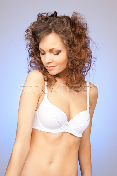 Mujer hermosa sujetador brillante primer plano retrato Foto Foto stock © dolgachov