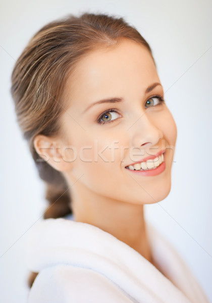 Gyönyörű nő fürdőköpeny fényes közelkép portré kép Stock fotó © dolgachov
