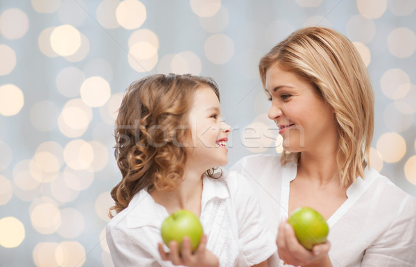 Foto stock: Feliz · madre · hija · verde · manzanas · personas