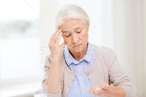 Сток-фото: старший · женщину · воды · медицина · домой · возраст