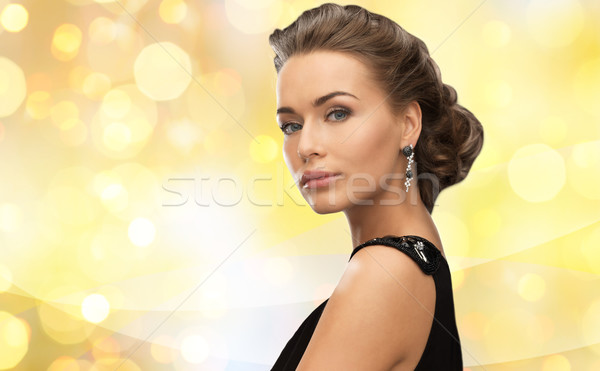 Sorrindo vestido de noite brincos pessoas férias Foto stock © dolgachov
