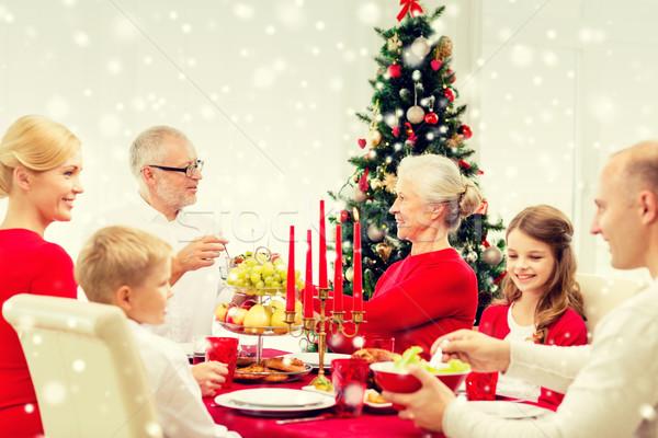 笑みを浮かべて 家族 休日 ディナー ホーム 休日 ストックフォト © dolgachov