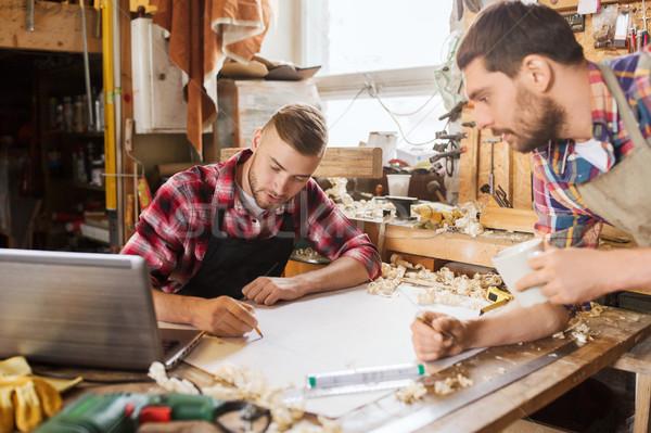 ноутбука план семинар профессия плотничные работы изделия из дерева Сток-фото © dolgachov