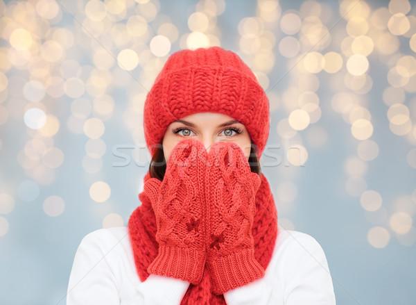şaşırmış kadın şapka eşarp eldiveni Noel Stok fotoğraf © dolgachov