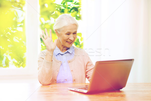 Senior Frau Laptop Video Chat home Stock foto © dolgachov