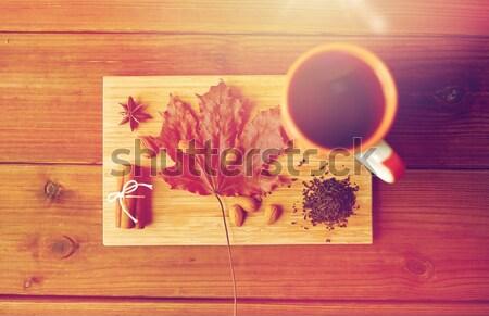 Кубок чай Maple Leaf миндаль Сток-фото © dolgachov