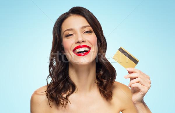 Foto stock: Bela · mulher · batom · vermelho · cartão · de · crédito · compras · pessoas