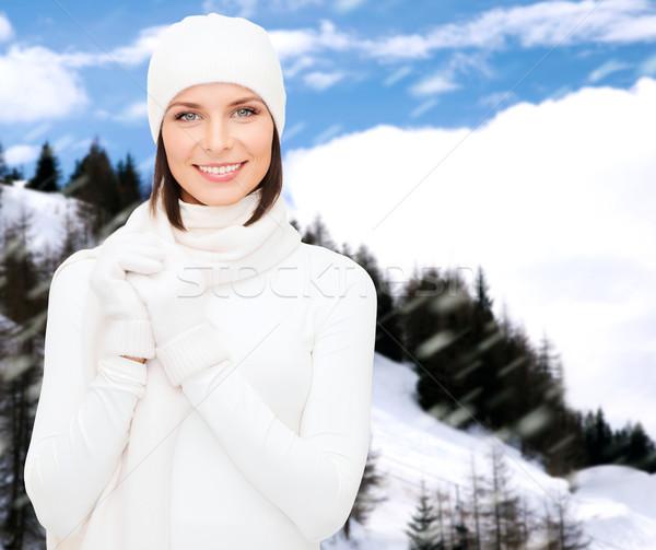 女性 帽子 マフラー 手袋 冬 休日 ストックフォト © dolgachov