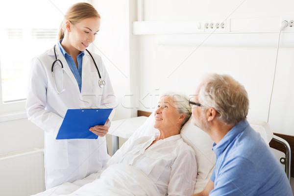 Сток-фото: старший · женщину · врач · буфер · обмена · больницу · медицина