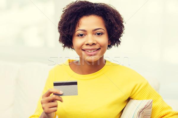 счастливым африканских женщину кредитных дебетовая карточка люди Сток-фото © dolgachov