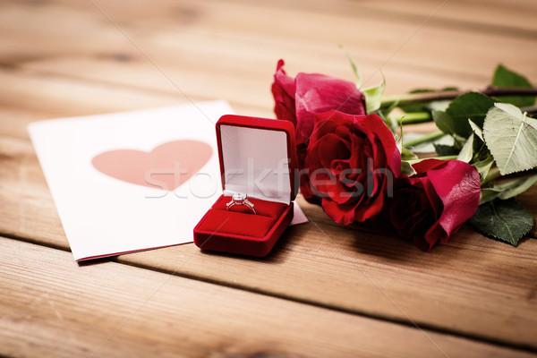 Pierścionek z brylantem róż kartkę z życzeniami miłości wniosek Zdjęcia stock © dolgachov