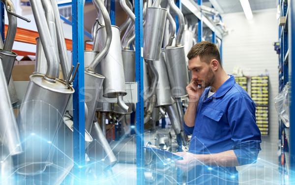 Automechaniker fordern Telefon Auto Laden Service Stock foto © dolgachov
