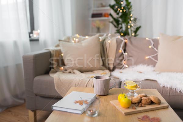 Stockfoto: Thee · citroen · boek · cookies · tabel · home