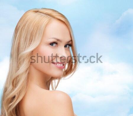 Jonge vrouw schoonheid schone gezicht Stockfoto © dolgachov
