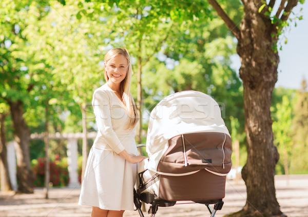 幸せ 母親 公園 家族 子 ストックフォト © dolgachov