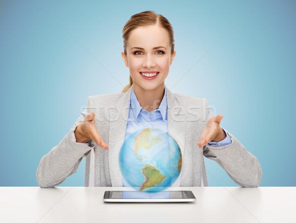 Stock fotó: üzletasszony · táblagép · földgömb · hologram · üzlet · technológia