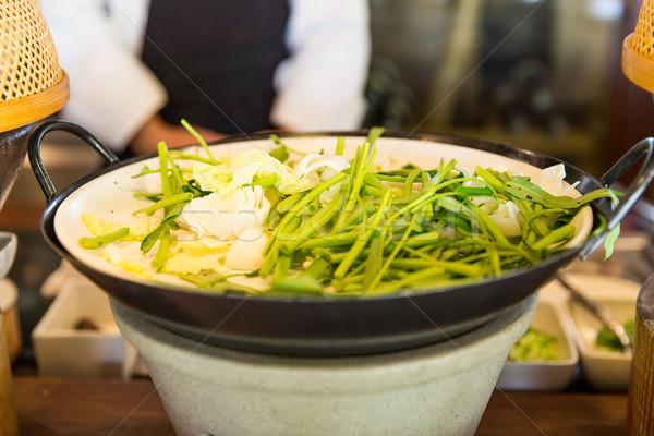 Tigela verde salada enfeite asiático restaurante Foto stock © dolgachov