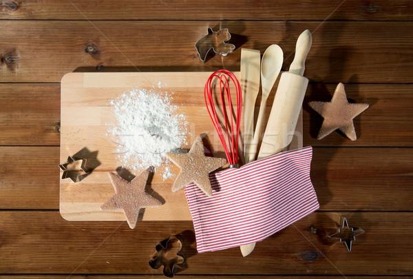 Zencefilli çörek mutfak gereçleri ayarlamak pişirme Stok fotoğraf © dolgachov
